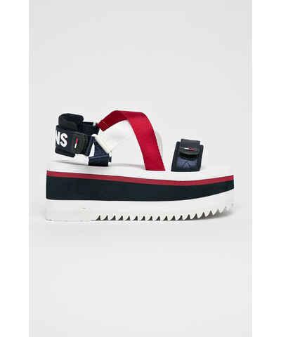 dff1ce35b61 Цветни Дамски дрехи и обувки | 15 600 продукта на едно място - Glami.bg